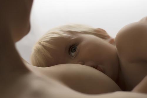 Как отлучить ребенка от груди: мнение специалистов