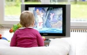Грудничку смотреть телевизор