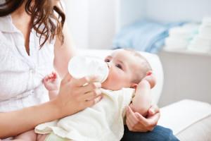 Как докармливать ребенка смесью